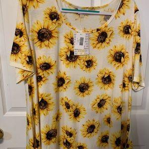 3x NWT LuLaRoe sunflower Perfect tee